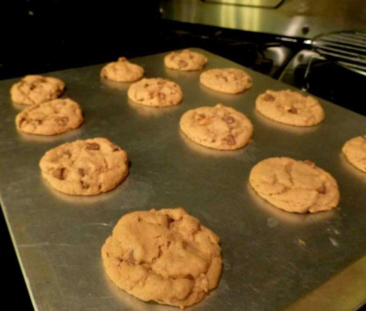 chocolate chip cookies chocolate chips medium peanut butter peanuts ...