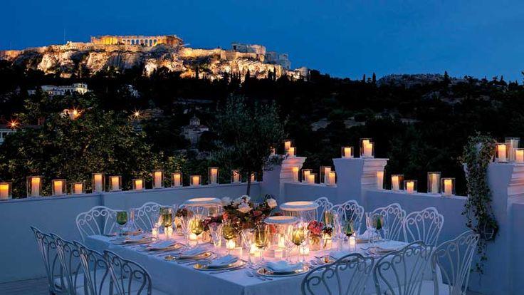 Μιασειρά ωραία εστιατόρια και bar-restaurants, πρώτη θέση-θεωρείο απέναντι στο μεγαλείο του Παρθενώνα.