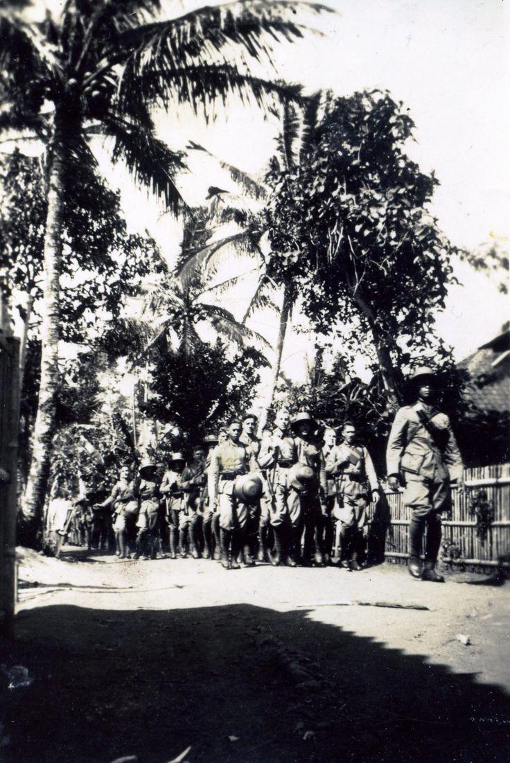 'Marschtochtje' KNIL, omgeving Tjimahi 1939