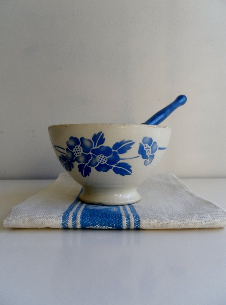 Kitchen - a lovely blue-and-white French cafe-au-lait bowl