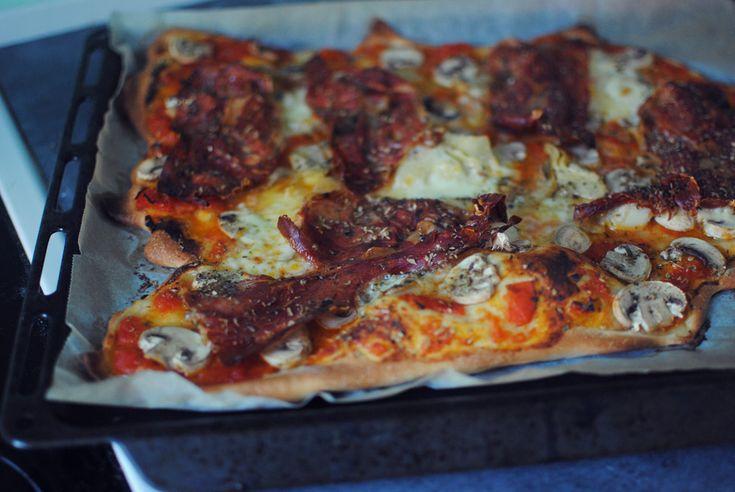 Hjemmebagt pizza med champignon og artiskok - Frk. Kræsen