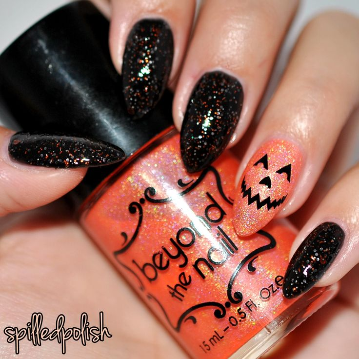 Pumpkin Face Halloween Nails #nailart #halloweennails