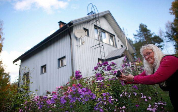 Suomen seuratuin tavis:     Jaana Nyström on entinen matkatoimistovirkailija, joka pisti urasuunnitelmansa uusiksi viisikymppisenä. Nyt hän on  some-kouluttaja, ja hänellä on 1,3 miljoonaa seuraajaa sosiaalisessa mediassa.