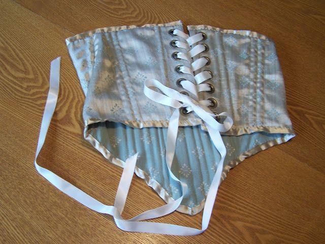 Amazinly easy corset  Tutorial