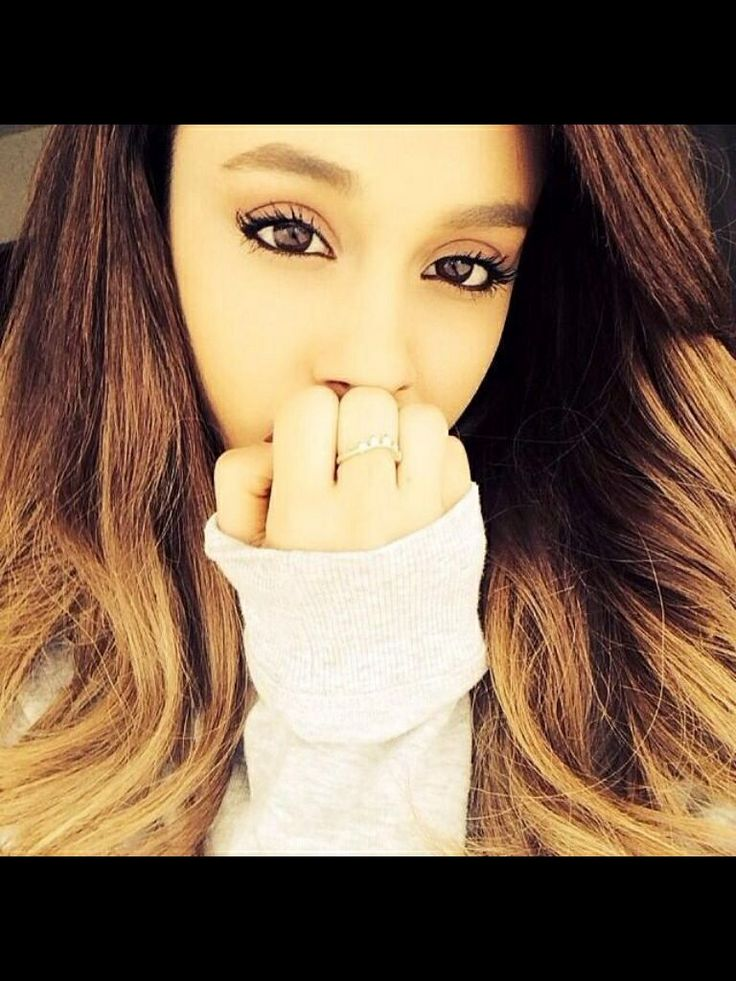 Pin by Gabby Enos on People I Like | Ariana grande selfie ...