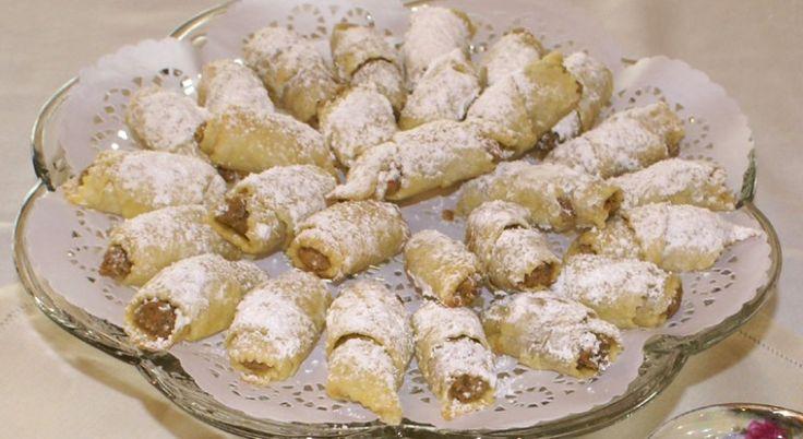Ez lesz a kedvenc péksütid! Az egyik legjobb házi diós kifli recept, nagyon…