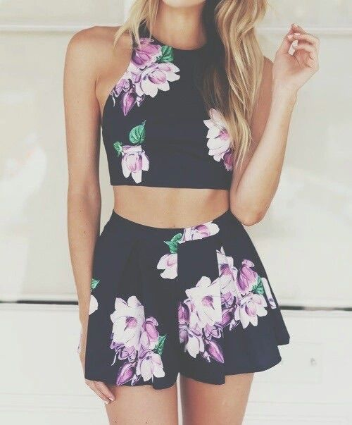 Imagen vía We Heart It #clothes #fashion #flowers #girl #hair #hipster #style #summer