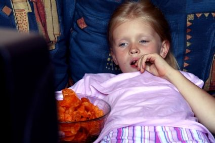 ER doctors have noticed several cases of kids with abdominal pain and red stool. The culprit - Flamin Hot Cheetos sends, which the St. Louis Children's Hospital MomDocs call the worst junk food choice.