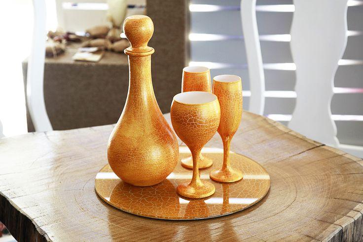 Σετ καράφα 3 ποτήρια & δίσκος λευκό με χρυσό κρακελε Atelier Zolotas