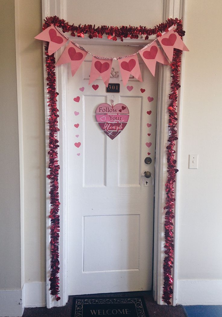 Valentine S Day Dorm Door Decoration Ideas Pink And Red