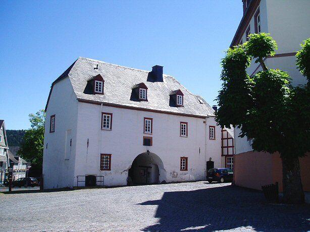 Torhaus aus dem 16. Jahrhundert vor Schloss Berleburg
