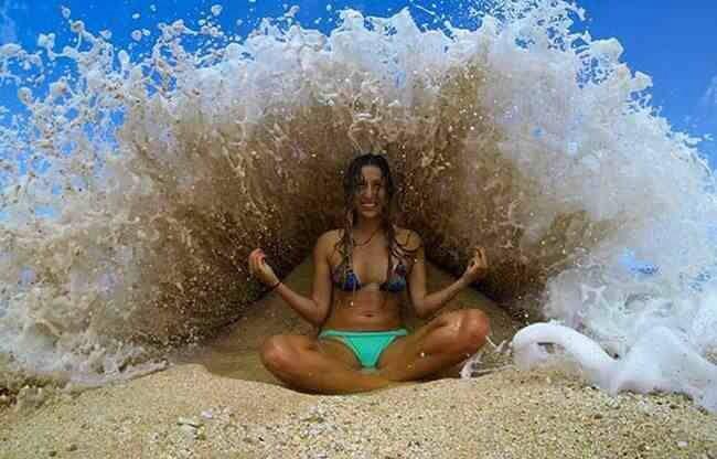 Wave crash