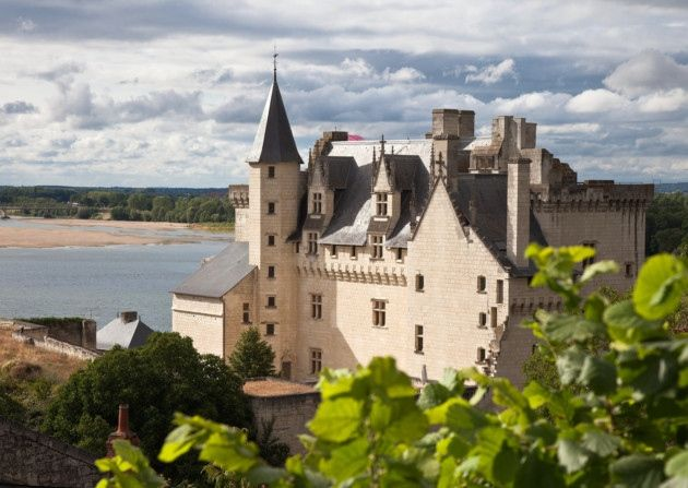 An insider's guide to Pays de la Loire in western France, including the main attractions to visit on holiday, the best towns and villages to live in, the vineyards and châteaux to visit, and buying property in Pays de la Loire
