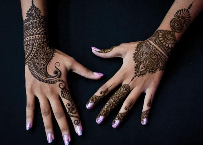 Mehndi design for wedding                                                                                                                                                                                 Más