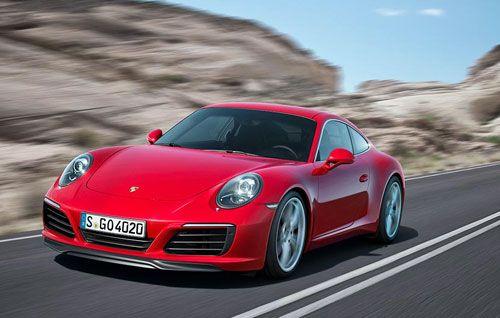 Nuevo Porsche 911: todas las versiones con turbo  Porsche presenta la nueva versión del 911, su modelo fetiche. La principal novedad, rasgos estéticos aparte, es la nueva generación de motores que incorpora el deportivo alemán, dotados todos ellos de turboalimentación. Más potencia y menos consumo para romper con una tradición histórica.