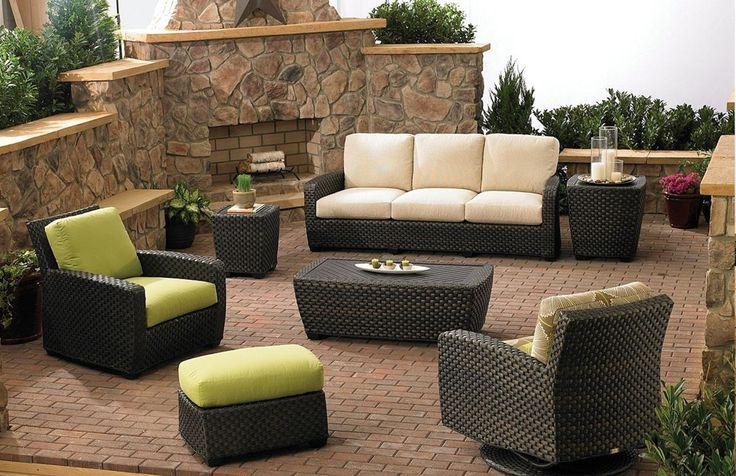 Trendy Outdoor Office furniture 2015 includes the different tables and chairs that are usually used for waiting. Some offices that have beautiful terrace or gardens set up a separate area to have outdoor meetings.