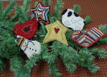 286 best Rug Hooking Christmas images on Pinterest  Rug hooking
