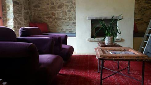 Casale SpecialUmbria.com: Soggiorno in stile in stile Rustico di Marcello Gavioli