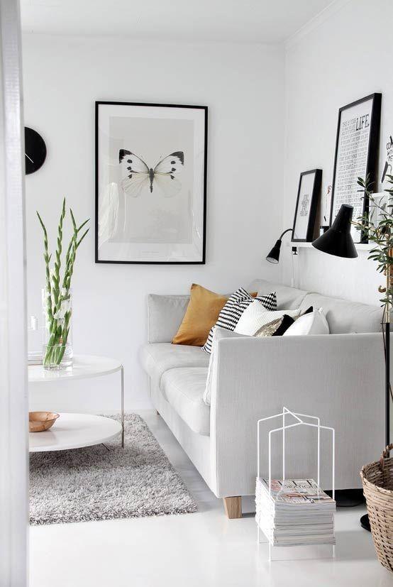 Nebojte se bílé v obývacím pokoji