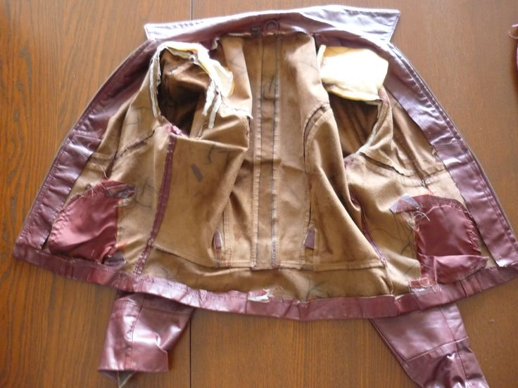 Replacing the lining of a thrifted leather jacket...Sewaholic tutorial
