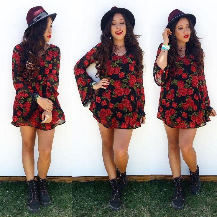 Bruna Vieira no Coachella em 2016. Vestido floral e chapéu.