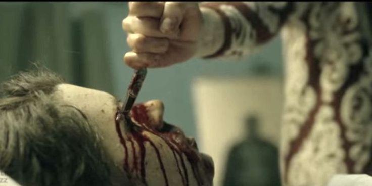 The Void: ATERRORIZANTE filme de terror ganha trailer Confira os nossos artigos dedicados aos Filmes de Terror em http://mundodecinema.com/category/filmes-de-terror/