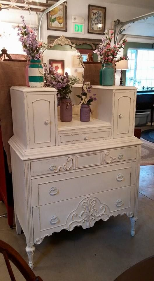 Old White Chalk Paint  decorative paint by Annie Sloan  Find this beauty at  The. 260 best ASCP OLD WHITE images on Pinterest   Chalk paint  Painted