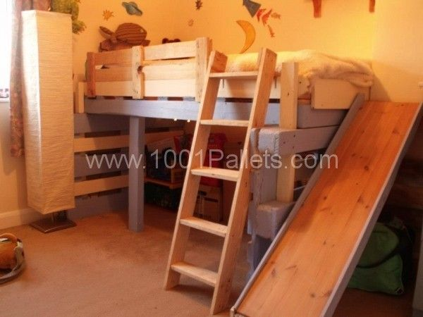 bed kid1 600x450 Salvaged bed for toddlers made with repurposed pallets in pallet bedroom ideas pallet kids projects diy pallet ideas  with ...