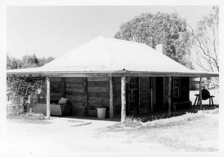 State Library of Victoria http://handle.slv.vic.gov.au/10381/234296 Towaninnie Homestead. November 11th 1972