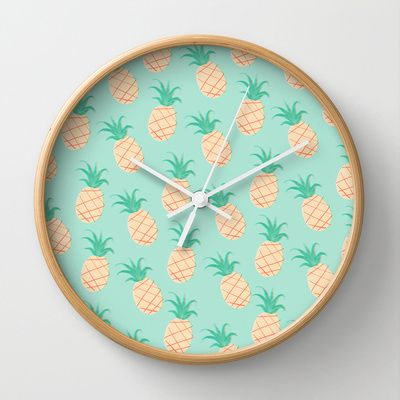 Pineapple Wall Clock - diy hack: vintage wallpaper as display back for clock