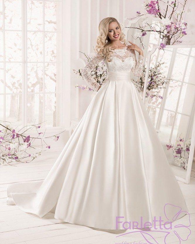ПЛАТЬЕ ДНЯ Пышное свадебное платье из королевского атласа Farletta Анисум в свадебныом салоне Принцесса на горошине @goroshina_spb #bridemagru #невеста #мода #стиль #модель #платье #свадьба #скоросвадьба #платьедня #свадебноеплатье #wedding #bride #dress #weddingdress #weddinggown #style #look #luxury #weddingfashion #weddingtrends #wedding #trends