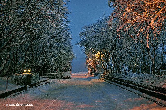 https://flic.kr/p/5VVw2K | Selfoss - snow | Selfoss, Iceland 29. Jan. 2009 Nikon D90, ISO 800, Sigma 30 mm. f/2.8