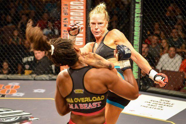 10 Cosas Que Probablemente No Conozcas Acerca De La Peleadora Del UFC Holy Holm   Estarás enterado que este sábado 14 de Noviembre Holy Holm estará enfrentando a la Campaona de las 135 libras del UFC Ronda Rousey así que te dejamos algunas cosas que probablemente conozcas o probablemente no conozcas.  1. Holy Holm es probablemente la mejor peleadora de MMA femenina que no se llama Ronda Rousey. Eso es correcto. Si bien no hay exactamente una escasez de mujeres peleadoras de MMA invictas…