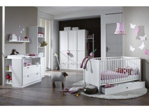 Kleiderschrank: Maße ca. 135 x 200 x 58 cm (BxHxT)/ mit drei Drehtüren und drei Schubkästen/ hinter den zwei linken Türen ist ein Einlegeboden und eine Kle