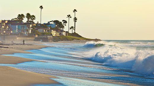 A dream house on the beach?Beautiful beach with palm trees in San Diego, USA #kilroy #travel #beach #waves #summer
