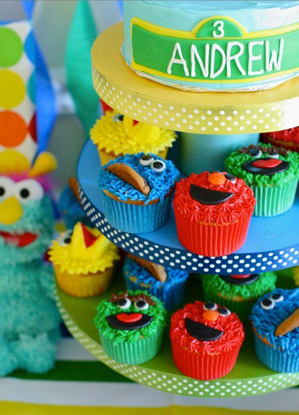 Sesame Street Cupcakes.: Sesame Street Cupcakes, Birthday Parties, 1St Birthday, Parties Ideas, Sesame Streets, 2Nd Birthday, Sesame Street Birthday, Street Parties, Birthday Ideas