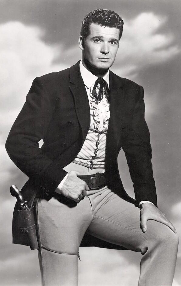 James Garner. Maverick .... the first man I had a major crush on. will miss Maverick very much. RIP
