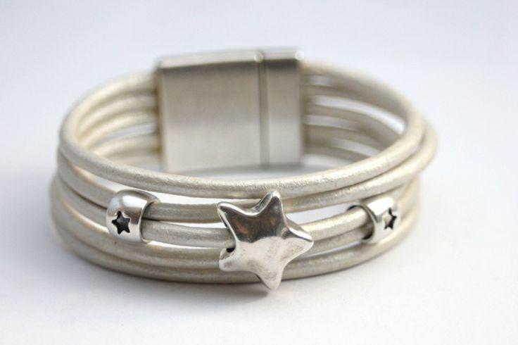 Bracelet manchette cuir blanc nacré étoile argent - emmafashionstyle.fr