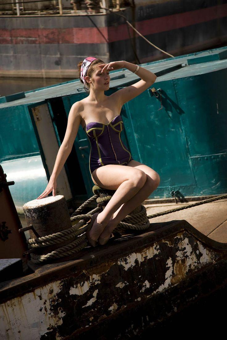 Božské korzetové plavky Fantastické korzetové plavky musí přesně sedet,proto se šijí na míru a dle vašich přání se ladí i barvy.
