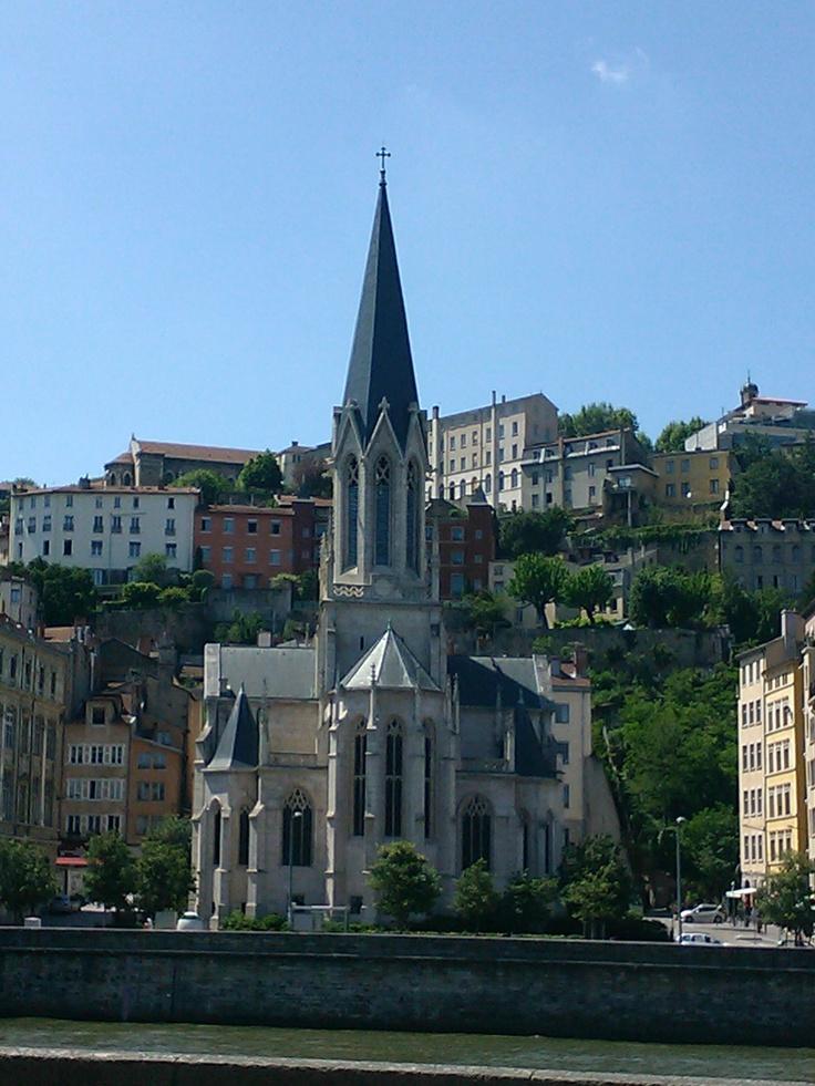 Eglise Saint-Georges.  Quai Fulchiron, Lyon.