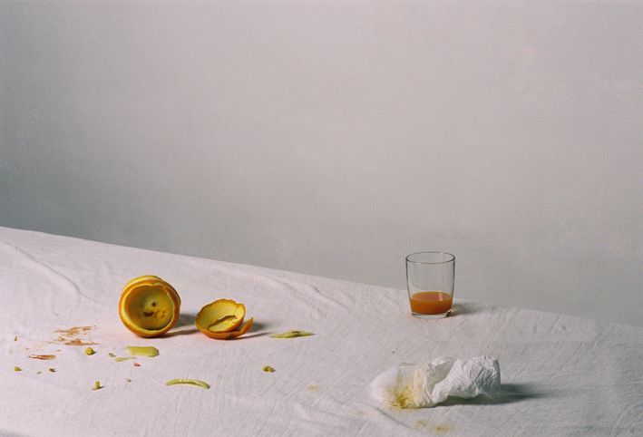 Today, I'm inspired by these beautiful still life photos by Inês Nepomuceno. Taken with an anological camera, the images convey the leftovers of her meals, transforming what's usually thrown away into an important ritual, a moment in time. They look like paintings right?