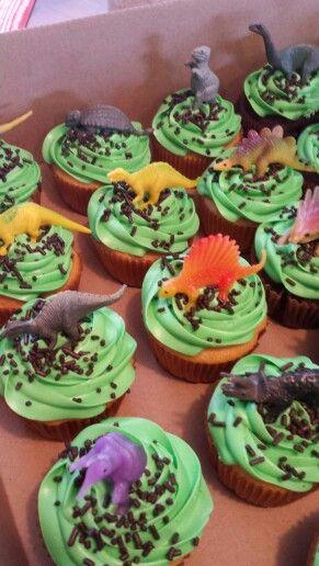 Dinosaur cupcakes                                                                                                                                                                                 Más