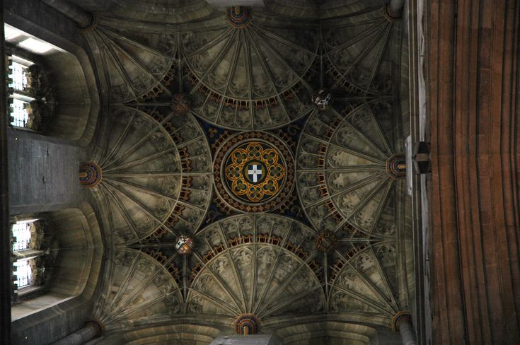 The_ceiling_of_canterbury_cathedral.jpg (2240×1488)