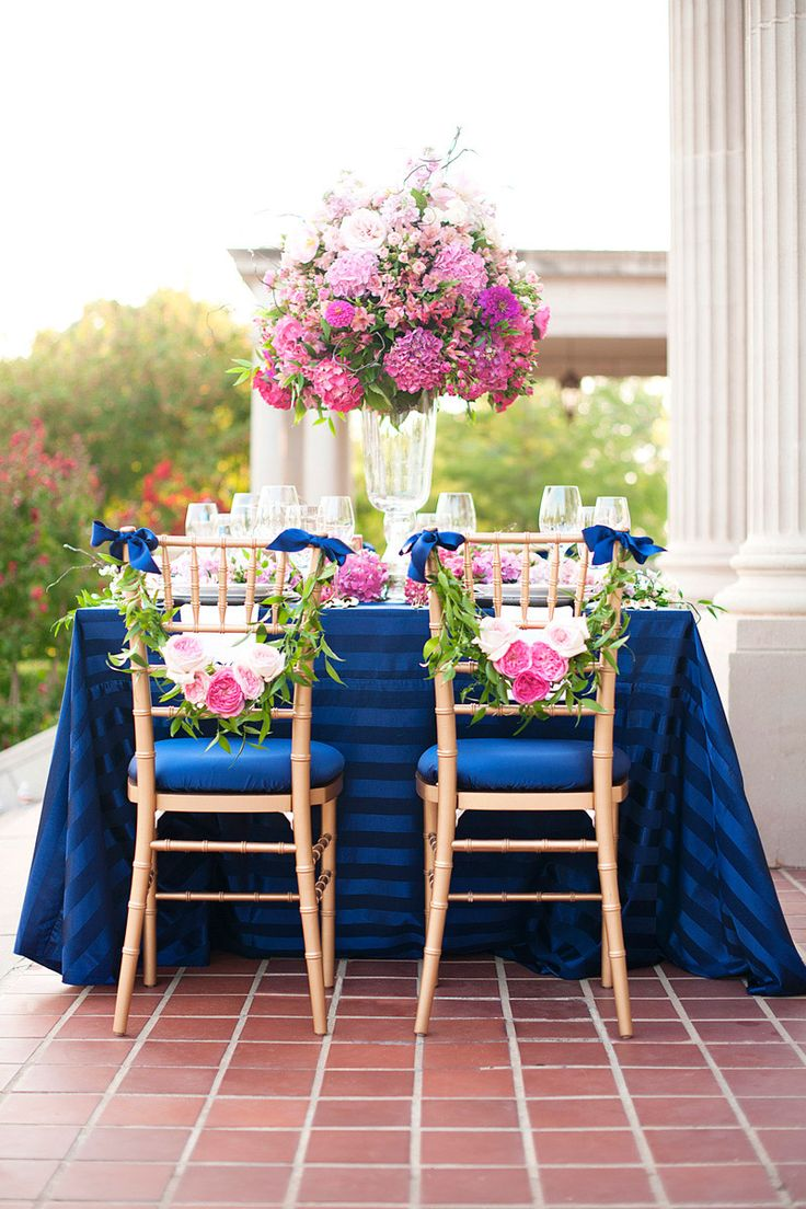 Wedding decorations with royal blue   beste afbeeldingen over Royal blue party op Pinterest  Gouden