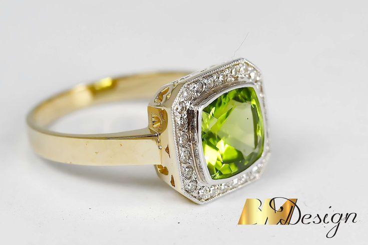 Pierścionek z oliwinem i diamentami, w starym stylu. Projekt i wykonanie Bm Design. Wykonany z dwóch kolorów złota. Złotnik Rzeszów, biżuteria na zamówienie Rzeszów, BM Rzeszów