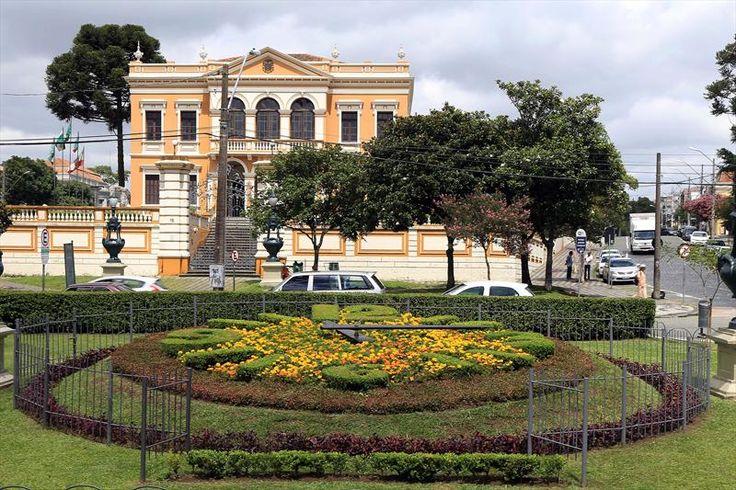 Relógio das Flores, Praça Garibaldi, s/n, Curitiba - PR, 80510-210. Foto: Valdecir Galor/SMCS - Álbum - Prefeitura de Curitiba