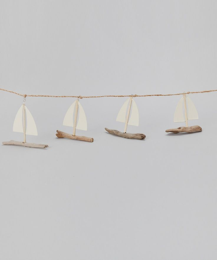 mommo design - 10 DIYs FOR KIDS - Driftwood boats garland