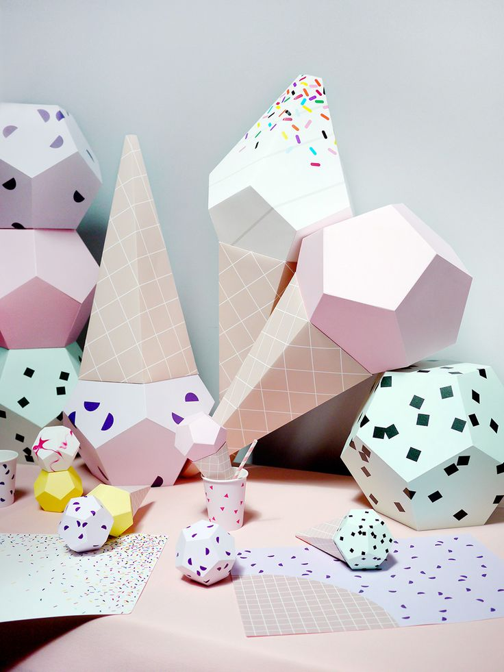 Paper Ice Creams, placemats and cups for perfect ice cream party decor