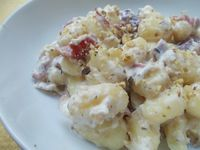 Eccovi una delle mie ricette velocissime, gli gnocchi di patate con salsa di noci e speck, un piatto semplice ma che vi farà fare un'ottima figura a tavola