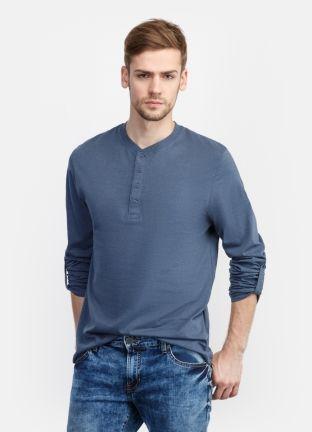 Базовая футболка за 899р.- от OSTIN